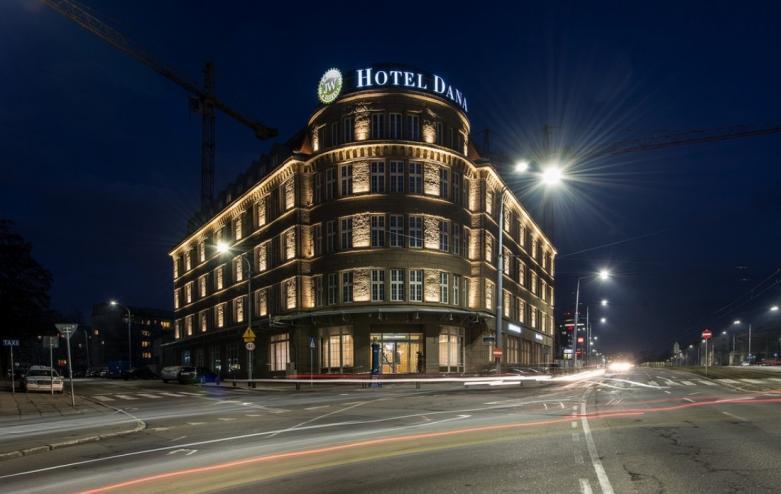 Taxi Hotel Dana